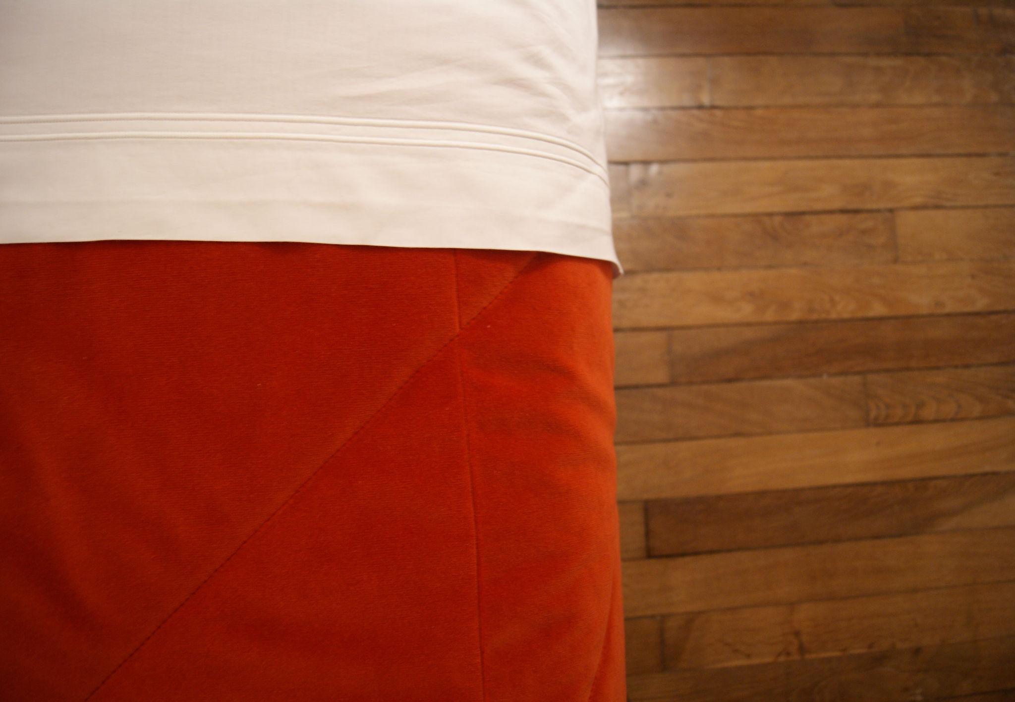 Chambre grise - Dessus de lit et parquet