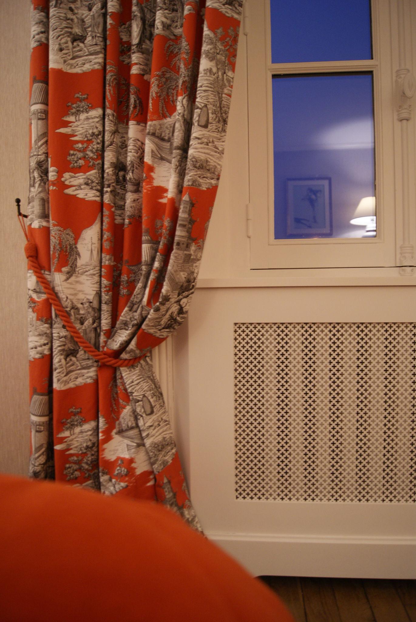 Chambre grise - Toile de Jouy et cache radiateur