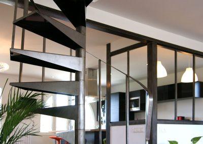 Escalier, cloison, cuisine
