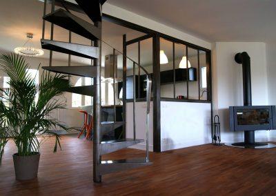 Hauts Jullouville - Vue générale. Escalier et cuisine